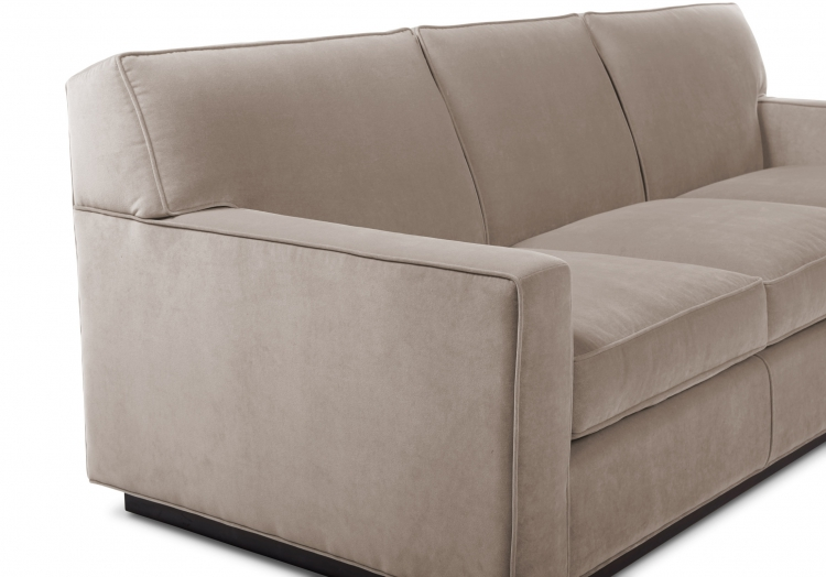 3575s or 4575d Gresham House Furniture Sofa Style #3575s or 4575d - detail